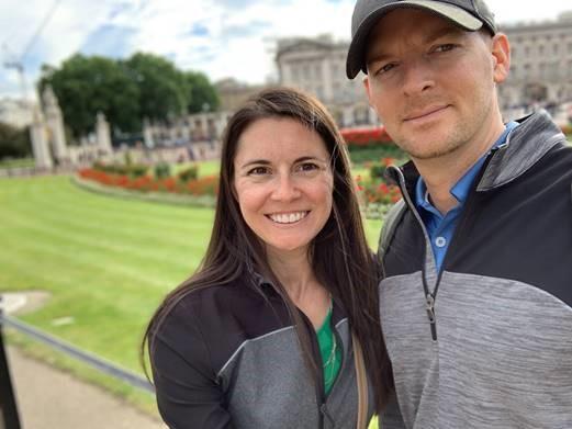 honeymooning couple in London